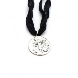 Collar SEDA medallón Sagrada Familia