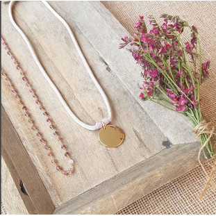 SOL - Collar Plaquita dorada elástico