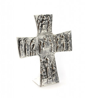 Cruz retablo con escenas bíblicas