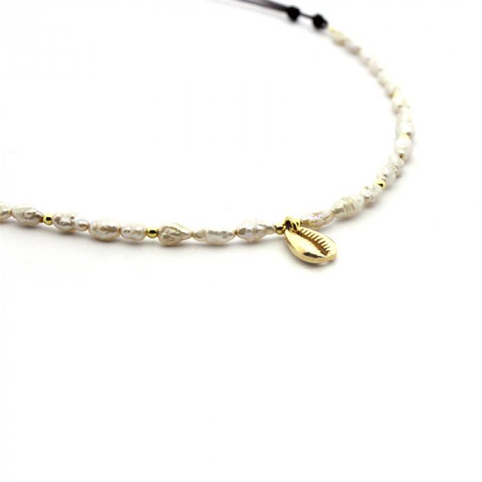 Collar Lagos - perlas con detalle en dorado